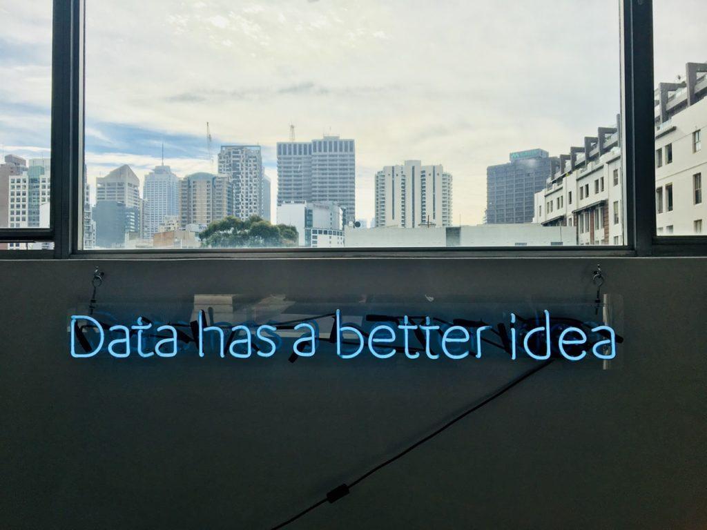 Schriftzug: Data has a better idea