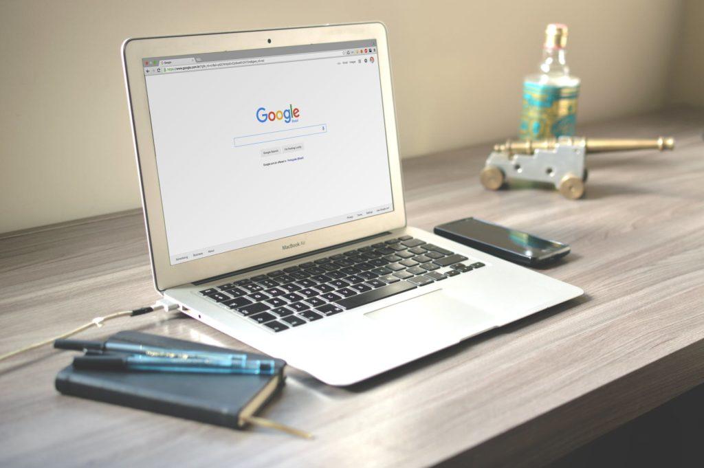 Google geöffnet auf MacBook